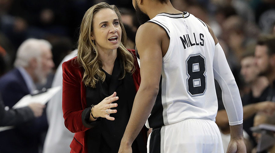 donne che allenano in NBA becky hammon
