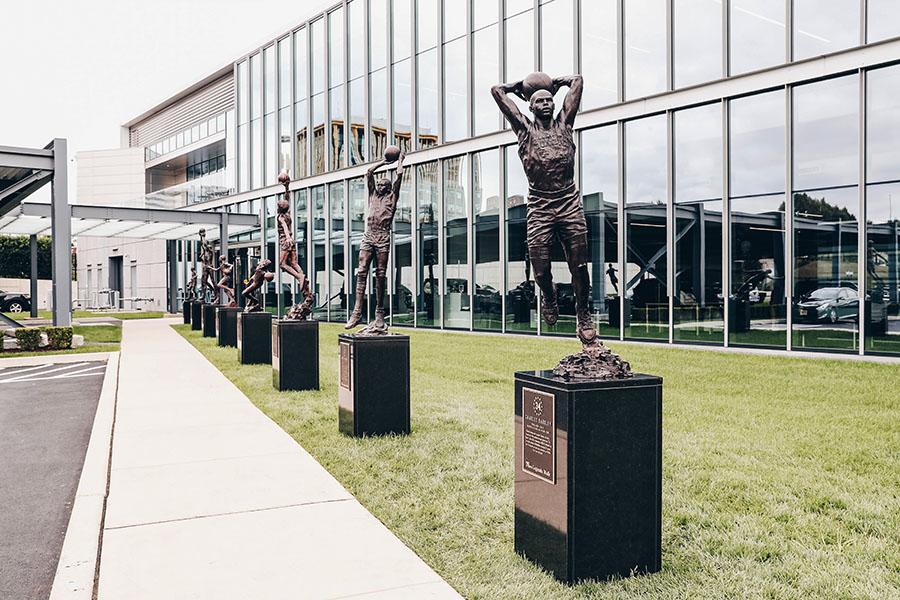 charles barkley statua